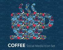 Medios iconos planos sociales en los granos del discurso de un café de la burbuja, taza de café Imagen de archivo libre de regalías