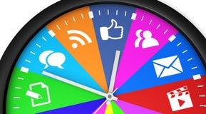 Medios reloj de tiempo social Imágenes de archivo libres de regalías