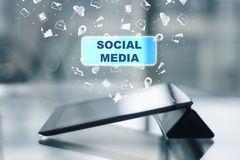 Medios sociales, taller y concepto de la comunicación imagenes de archivo