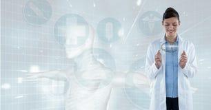 Medique (mulher) a vista da fotografia de um cérebro imagem de stock