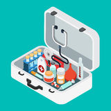 Medique o vetor isométrico liso do estetoscópio do comprimido do kit de primeiros socorros do caso Fotografia de Stock Royalty Free