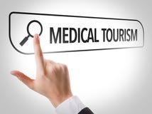 Medisch die Toerisme in onderzoeksbar wordt geschreven op het virtuele scherm Stock Foto