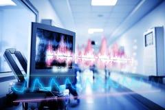 Medisch technologieconcept met een hologram van krommen en grafieken stock afbeeldingen