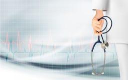 Medische achtergrond die met hand een stethoscoop houden Stock Afbeeldingen