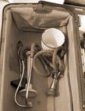 Medische Aktentas met antieke medische instrumenten Stock Afbeelding