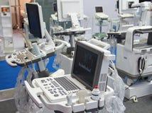 Medische apparatuur in de tentoonstellingszaal Stock Foto's