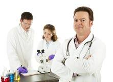 Medische Arts in Laboratorium Stock Foto's