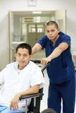 Medische assistent en patiënt royalty-vrije stock foto
