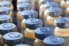 Medische glasampule Stock Afbeeldingen