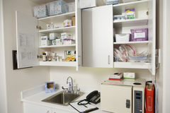 Medische Kabinetten in het Ziekenhuis Royalty-vrije Stock Foto