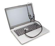 Medische stethoscoop op moderne laptop. royalty-vrije stock foto