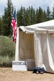 Medische Tent met Amerikaanse Vlag stock foto