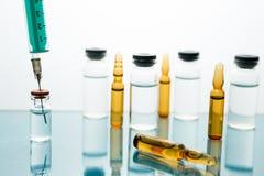 Medische van de de injectiebehandeling van het Vaccinflesje onderhuidse de ziektezorg Royalty-vrije Stock Fotografie