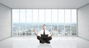 Meditação do homem Foto de Stock