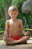 Meditação do miúdo Fotografia de Stock