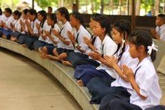 Meditação tailandesa de Meaning do estudante fotografia de stock royalty free