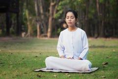 Meditación de la mujer Imagen de archivo libre de regalías