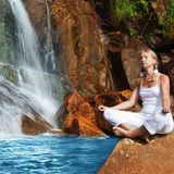 Meditación en el tiempo de la salida del sol Fotografía de archivo libre de regalías