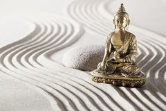Meditación relajante con modo de pensar del budismo Fotografía de archivo libre de regalías