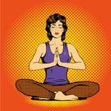 Meditando a la mujer con discurso burbujee en estilo cómico retro del arte pop Concepto del equilibrio mental y de la yoga Foto de archivo