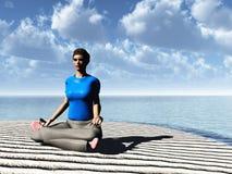 Meditatie op bewolkt strand Royalty-vrije Stock Afbeeldingen