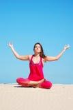 Meditatie in woestijn Royalty-vrije Stock Foto's