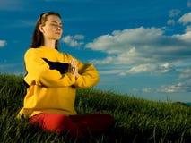meditating γυναίκα Στοκ φωτογραφία με δικαίωμα ελεύθερης χρήσης