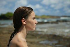 meditating νεολαίες γυναικών παρ& Στοκ φωτογραφία με δικαίωμα ελεύθερης χρήσης
