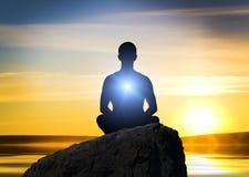 meditating σκιαγραφία προσώπων Στοκ εικόνα με δικαίωμα ελεύθερης χρήσης