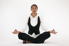 meditating детеныши женщины Стоковое фото RF