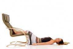 meditating женщина софы Стоковые Изображения RF