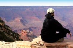 Meditating al grande canyon Fotografie Stock Libere da Diritti