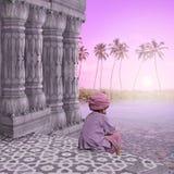Meditating sulla spiaggia Immagine Stock Libera da Diritti