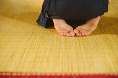 Meditation i en buddistisk tempel Fotografering för Bildbyråer