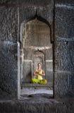 Meditation i Hampi Fotografering för Bildbyråer
