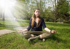 meditationen kopplar av Arkivfoton