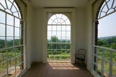 Meditationfläck för Thomas Jefferson i trädgårdar av Monticello, i Charlottesville, Virginia Arkivbild