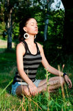 meditationkvinnabarn Royaltyfri Fotografi