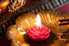 Meditazione con incenso e una candela Fotografia Stock Libera da Diritti
