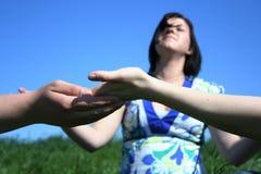 Meditazione degli amici Fotografia Stock