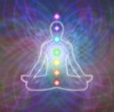 Meditazione di Chakra sul campo di energia della matrice Immagini Stock