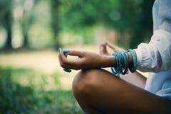 Meditazione in natura Fotografie Stock