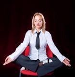Meditera för affärskvinna Arkivfoton