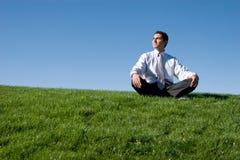 meditera för affärsman royaltyfria foton
