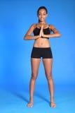 meditera plattform kvinna för afrikansk härlig fit Fotografering för Bildbyråer