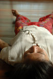 Mediterende vrouw   Royalty-vrije Stock Afbeeldingen