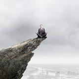 Mediterende zakenman Stock Fotografie