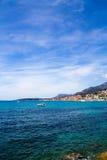 Mediterráneo más Menton, Francia Fotografía de archivo libre de regalías