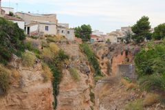 Mediterraan Cliff Nature Surface Houses royalty-vrije stock fotografie