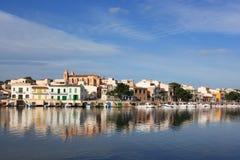 Mediterraan dorp Stock Afbeeldingen